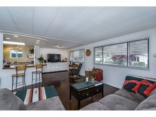 """Photo 4: 70 15875 20 Avenue in Surrey: King George Corridor Manufactured Home for sale in """"Searidge Bays"""" (South Surrey White Rock)  : MLS®# R2169478"""
