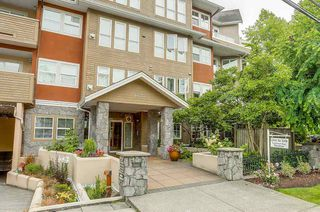 "Photo 2: 101 1630 154 Street in Surrey: King George Corridor Condo for sale in ""CARLTON COURT"" (South Surrey White Rock)  : MLS®# R2189691"
