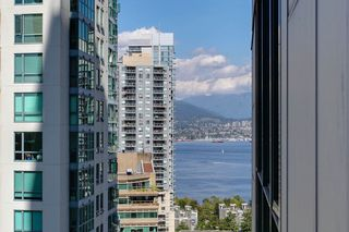 "Photo 11: 1206 1239 W GEORGIA Street in Vancouver: Coal Harbour Condo for sale in ""VENUS"" (Vancouver West)  : MLS®# R2198728"
