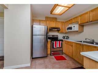 """Photo 5: 210 45504 MCINTOSH Drive in Chilliwack: Chilliwack W Young-Well Condo for sale in """"VISTA VIEW"""" : MLS®# R2211484"""