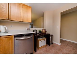 """Photo 6: 210 45504 MCINTOSH Drive in Chilliwack: Chilliwack W Young-Well Condo for sale in """"VISTA VIEW"""" : MLS®# R2211484"""