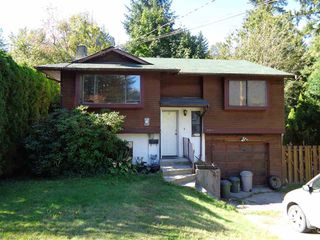 Photo 1: 21091 LAKEVIEW Crescent in Hope: Hope Kawkawa Lake House for sale : MLS®# R2211612