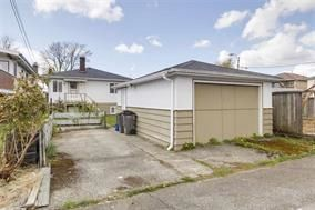Photo 7: 5748 SOPHIA Street in Vancouver: Main House for sale (Vancouver East)  : MLS®# R2212717