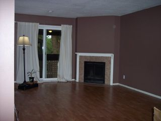 "Photo 3: 124 34909 OLD YALE Road in Abbotsford: Abbotsford East Townhouse for sale in ""The Gardens"" : MLS®# R2213334"