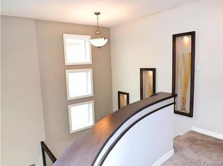 Photo 8: 23 Wainwright Crescent in Winnipeg: River Park South Residential for sale (2F)  : MLS®# 1729170