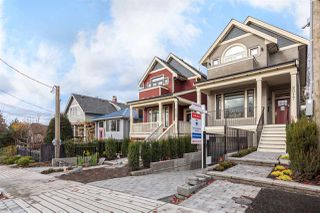 "Photo 2: 2017 CHARLES Street in Vancouver: Grandview VE House for sale in ""COMMERCIAL DRIVE"" (Vancouver East)  : MLS®# R2231050"