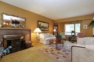 Photo 3: 1017 ARLINGTON Crescent in North Vancouver: Edgemont House for sale : MLS®# R2252498