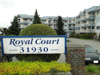 """Photo 1: 304 31930 OLD YALE Road in Abbotsford: Abbotsford West Condo for sale in """"Royal Court"""" : MLS®# R2266107"""