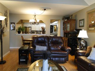 """Photo 9: 304 31930 OLD YALE Road in Abbotsford: Abbotsford West Condo for sale in """"Royal Court"""" : MLS®# R2266107"""