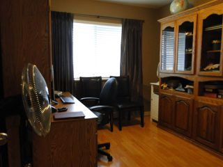 """Photo 11: 304 31930 OLD YALE Road in Abbotsford: Abbotsford West Condo for sale in """"Royal Court"""" : MLS®# R2266107"""