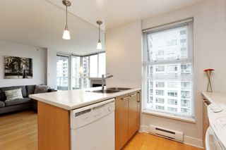 """Photo 12: 804 121 W 16TH Street in North Vancouver: Central Lonsdale Condo for sale in """"SILVA"""" : MLS®# R2269546"""