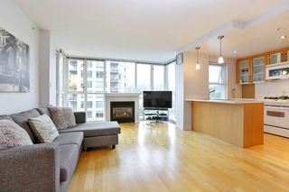 """Photo 4: 804 121 W 16TH Street in North Vancouver: Central Lonsdale Condo for sale in """"SILVA"""" : MLS®# R2269546"""
