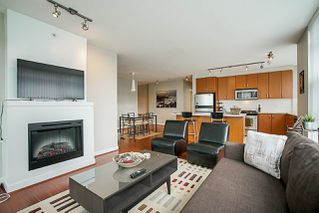Photo 12: 301 9222 UNIVERSITY Crescent in Burnaby: Simon Fraser Univer. Condo for sale (Burnaby North)  : MLS®# R2269707