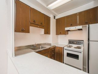 """Photo 6: 206 1445 MARPOLE Avenue in Vancouver: Fairview VW Condo for sale in """"Hycroft Towers"""" (Vancouver West)  : MLS®# R2282720"""