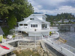 Photo 2: 4575 EPPS Avenue in North Vancouver: Deep Cove House for sale : MLS®# R2284515