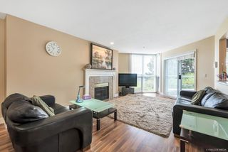 "Photo 8: 310 7168 OAK Street in Vancouver: South Cambie Condo for sale in ""COBBLE LANE"" (Vancouver West)  : MLS®# R2286669"