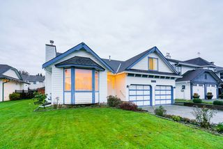 "Main Photo: 9006 203B Street in Langley: Walnut Grove House for sale in ""WALNUT GROVE"" : MLS®# R2325776"