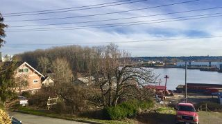 Photo 3: 1917 RIVER Drive in New Westminster: North Arm House Duplex for sale : MLS®# R2332699