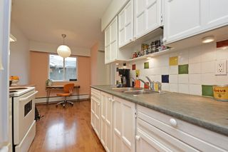 """Photo 8: 309 1540 E 4TH Avenue in Vancouver: Grandview VE Condo for sale in """"THE WOODLAND"""" (Vancouver East)  : MLS®# R2338019"""