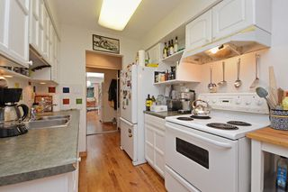 """Photo 11: 309 1540 E 4TH Avenue in Vancouver: Grandview VE Condo for sale in """"THE WOODLAND"""" (Vancouver East)  : MLS®# R2338019"""