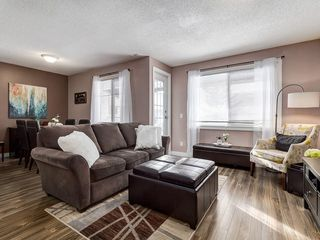 Photo 5: 826 200 BROOKPARK Drive SW in Calgary: Braeside Row/Townhouse for sale : MLS®# C4226293