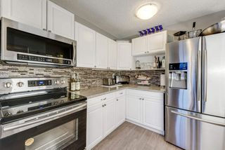 Photo 2: 32 AKINSDALE Gardens: St. Albert Townhouse for sale : MLS®# E4146607