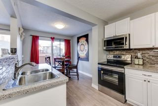 Photo 3: 32 AKINSDALE Gardens: St. Albert Townhouse for sale : MLS®# E4146607