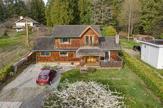 Photo 1: 3272 BEACH Avenue: Roberts Creek House for sale (Sunshine Coast)  : MLS®# R2348968