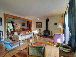 Photo 3: 3272 BEACH Avenue: Roberts Creek House for sale (Sunshine Coast)  : MLS®# R2348968