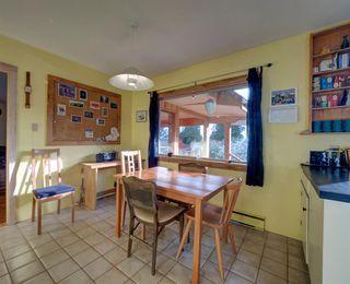 Photo 9: 3272 BEACH Avenue: Roberts Creek House for sale (Sunshine Coast)  : MLS®# R2348968