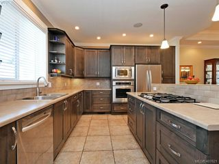 Photo 3: 2798 Guyton Way in VICTORIA: La Langford Lake Single Family Detached for sale (Langford)  : MLS®# 407621