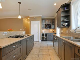 Photo 4: 2798 Guyton Way in VICTORIA: La Langford Lake Single Family Detached for sale (Langford)  : MLS®# 407621
