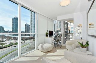"""Photo 5: 1002 388 DRAKE Street in Vancouver: Yaletown Condo for sale in """"GOVERNER'S TOWER"""" (Vancouver West)  : MLS®# R2355256"""