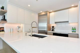 """Photo 6: 1002 388 DRAKE Street in Vancouver: Yaletown Condo for sale in """"GOVERNER'S TOWER"""" (Vancouver West)  : MLS®# R2355256"""