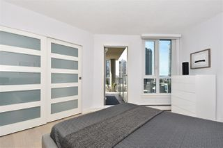 """Photo 10: 1002 388 DRAKE Street in Vancouver: Yaletown Condo for sale in """"GOVERNER'S TOWER"""" (Vancouver West)  : MLS®# R2355256"""