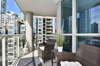 """Photo 14: 1002 388 DRAKE Street in Vancouver: Yaletown Condo for sale in """"GOVERNER'S TOWER"""" (Vancouver West)  : MLS®# R2355256"""