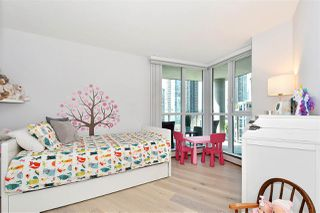 """Photo 12: 1002 388 DRAKE Street in Vancouver: Yaletown Condo for sale in """"GOVERNER'S TOWER"""" (Vancouver West)  : MLS®# R2355256"""