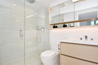 """Photo 11: 1002 388 DRAKE Street in Vancouver: Yaletown Condo for sale in """"GOVERNER'S TOWER"""" (Vancouver West)  : MLS®# R2355256"""