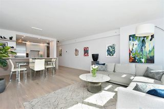 """Photo 3: 1002 388 DRAKE Street in Vancouver: Yaletown Condo for sale in """"GOVERNER'S TOWER"""" (Vancouver West)  : MLS®# R2355256"""