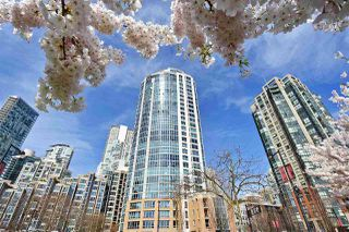 """Photo 19: 1002 388 DRAKE Street in Vancouver: Yaletown Condo for sale in """"GOVERNER'S TOWER"""" (Vancouver West)  : MLS®# R2355256"""