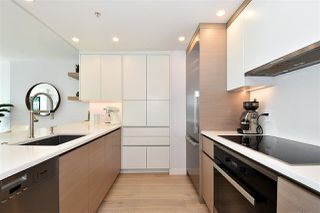 """Photo 7: 1002 388 DRAKE Street in Vancouver: Yaletown Condo for sale in """"GOVERNER'S TOWER"""" (Vancouver West)  : MLS®# R2355256"""