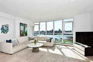 """Photo 4: 1002 388 DRAKE Street in Vancouver: Yaletown Condo for sale in """"GOVERNER'S TOWER"""" (Vancouver West)  : MLS®# R2355256"""