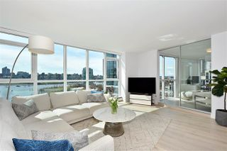 """Photo 1: 1002 388 DRAKE Street in Vancouver: Yaletown Condo for sale in """"GOVERNER'S TOWER"""" (Vancouver West)  : MLS®# R2355256"""