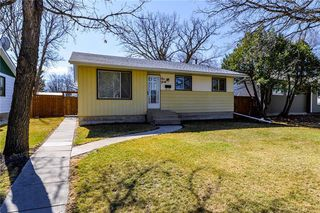Main Photo: 140 Hazelwood Crescent in Winnipeg: Residential for sale (2E)  : MLS®# 1909650