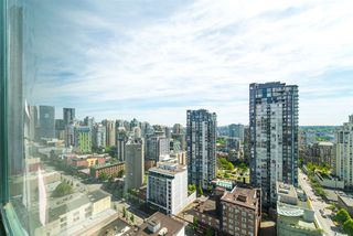 "Main Photo: 2205 1188 HOWE Street in Vancouver: Downtown VW Condo for sale in ""1188 HOWE"" (Vancouver West)  : MLS®# R2369171"