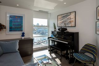 "Photo 12: 802 633 KINGHORNE Mews in Vancouver: Yaletown Condo for sale in ""ICON II"" (Vancouver West)  : MLS®# R2372163"