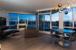 "Photo 11: 802 633 KINGHORNE Mews in Vancouver: Yaletown Condo for sale in ""ICON II"" (Vancouver West)  : MLS®# R2372163"
