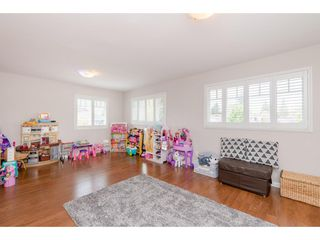 Photo 17: 14090 17 Avenue in Surrey: Sunnyside Park Surrey House for sale (South Surrey White Rock)  : MLS®# R2376398