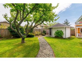Photo 18: 14090 17 Avenue in Surrey: Sunnyside Park Surrey House for sale (South Surrey White Rock)  : MLS®# R2376398