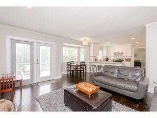 Photo 9: 14090 17 Avenue in Surrey: Sunnyside Park Surrey House for sale (South Surrey White Rock)  : MLS®# R2376398